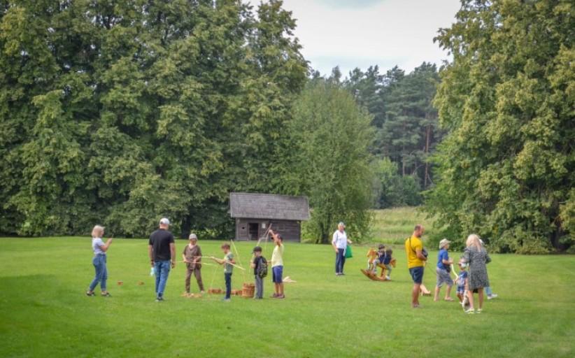 Kleboniškių kaimo amatininkai atsisveikino iki kitos vasaros