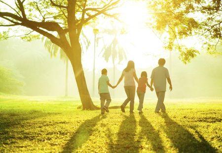 Ką liaudies daina pasakoja apie šeimą? Interviu su dr. Brone Stundžiene