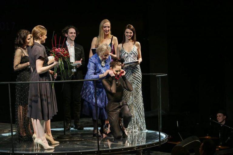 """""""Auksinio scenos kryžiaus"""" šeimininkė A.Krasauskaitė – laiminga teatro ir scenos """"auka"""""""