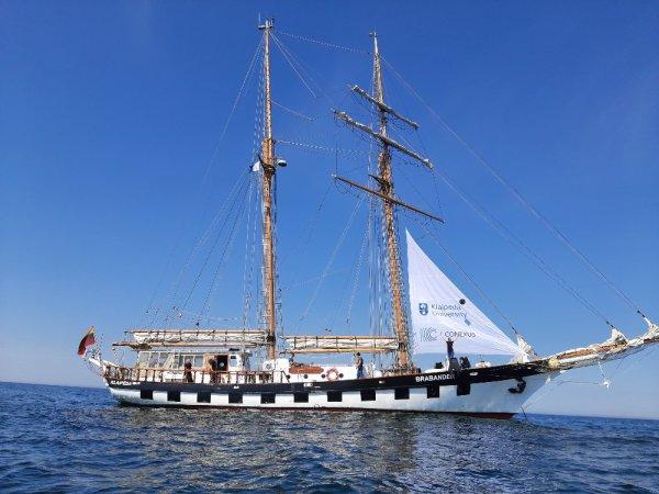 Klaipėdos šimtukininkams – mero padėka ant laivo denio