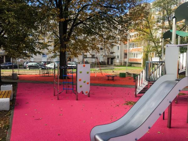 Klaipėdoje -  dar dvi naujos vaikų žaidimo aikštelės
