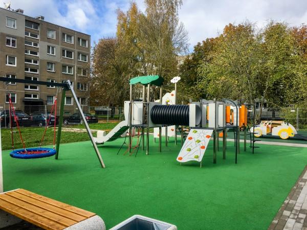 Šiauliu g. 13 Vaikų žaidimų aikštelė