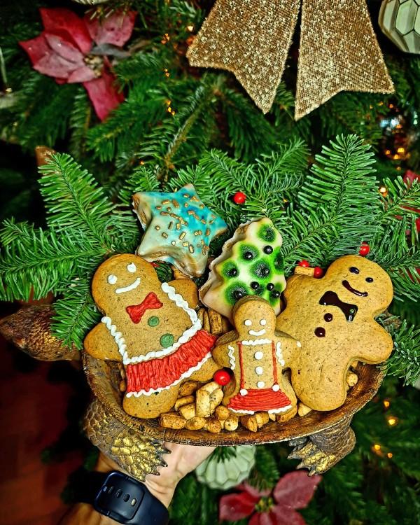 Šventiniai sausainiai tarsi iš kalėdinės reklamos – išmėginkite išskirtinį N. Zeleniūtės receptą