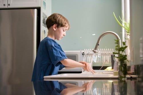 Vaiko teisių gynėjai padeda vaikams įveikti karantino laikotarpio sunkumus