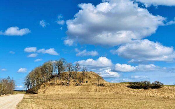 Duobės piliakalnis