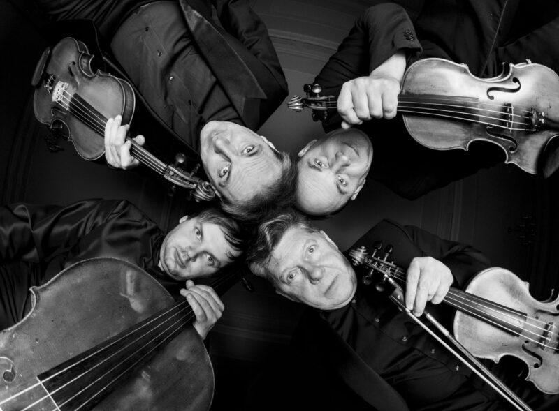 Muzikos vakarai kurhauze – nuo rudeniu alsuojančio džiazo iki Kalėdomis kvepiančių muzikinių istorijų
